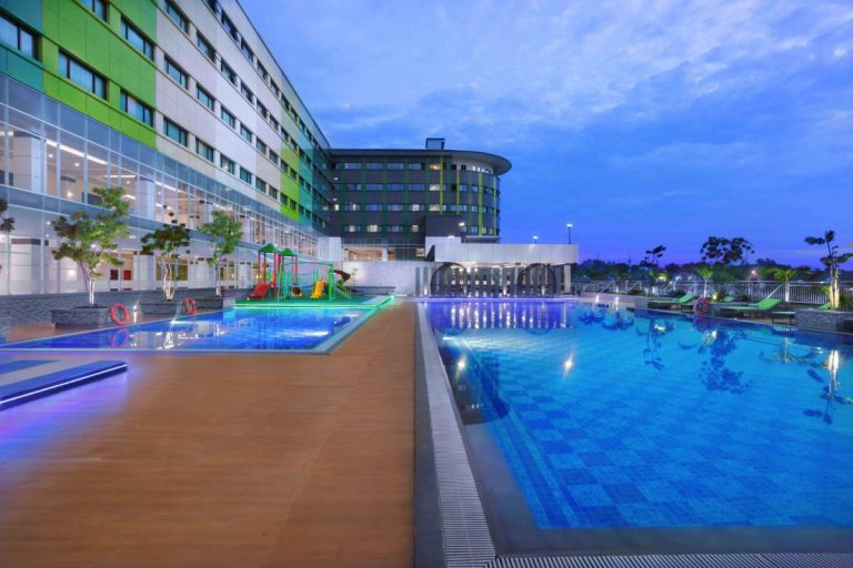 ck-tanjung-pinang-and-convention-centre-swimming-pool-1200x800
